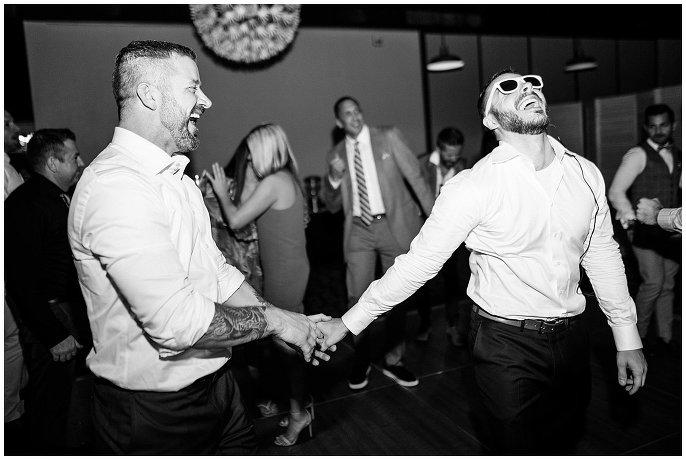 grooms dancing to live 80